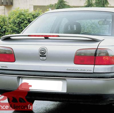 Becquet / Aileron pour Opel Omega B